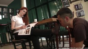 Redheaded chick wants her big feet to get worshiped